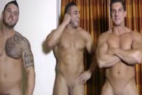 3 Hunks jerking off And Showering