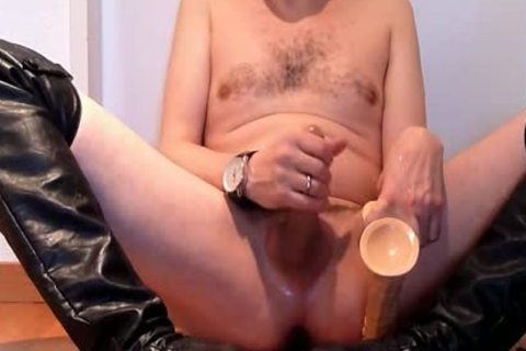 Jerking Wearing black Over-knee High-heels With sextoy And Cumming