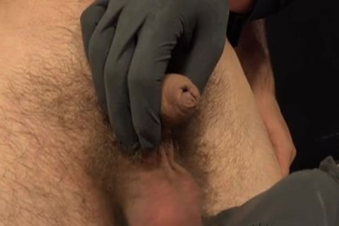 Paul And Viktor wild handjob