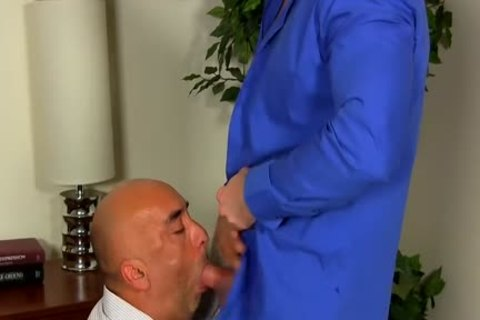 Shay Michaels fucks His Annoying Boss Brian In His dark hole