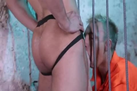lewd Prisoner fucked By Guard(bare)