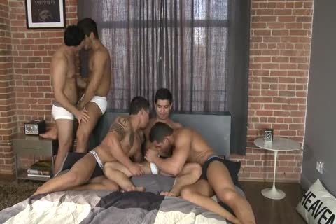 Five Hunks In One sofa.wmv