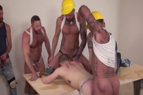 Workmen On The Job Are Taking A Break And Giving The recent guys Some Solid penis In His Bum