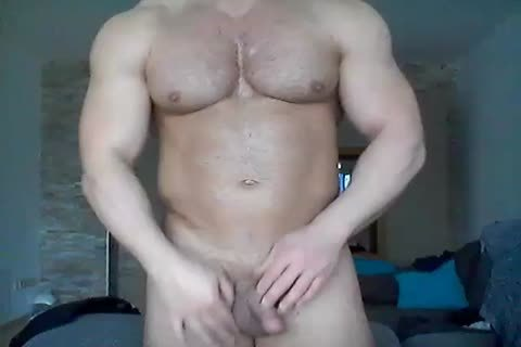 A valuable dude Jerking