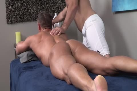 bareback Oiled Muscle Rubdown