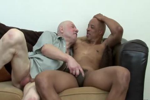 Daddy gets pounded By black Hunk