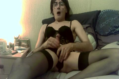 Basque And nylons 2