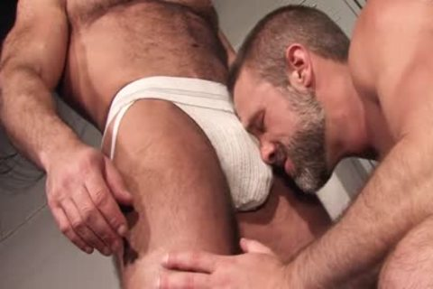 Sweat: Jesse Jackman & Dirk Caber - pooper fucking In The Locker Room