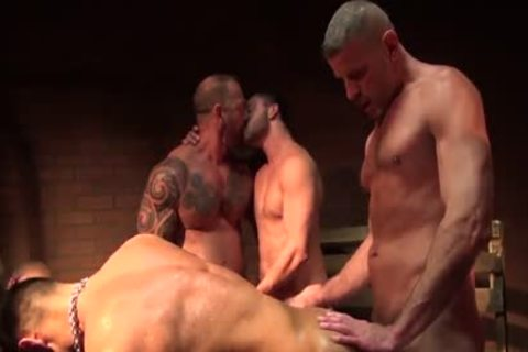 Seth Santoro's group bunch-sex Part 1