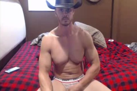 Southern Hunk Cums On webcam