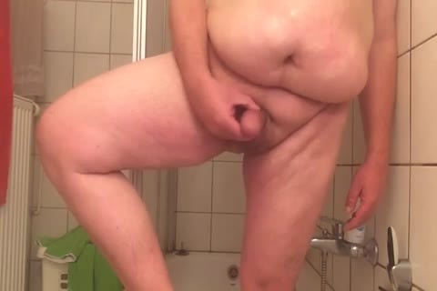 plump twink wanking In The Shower For u