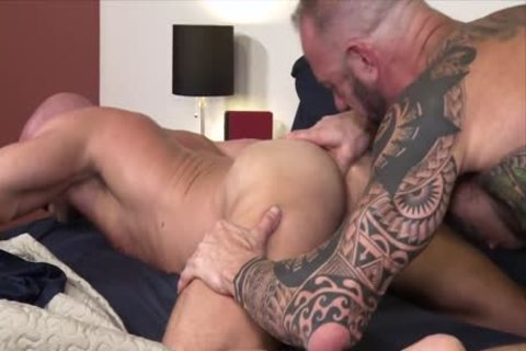 Damn! It Is big!!! – Vic Rocco & Killian Knox