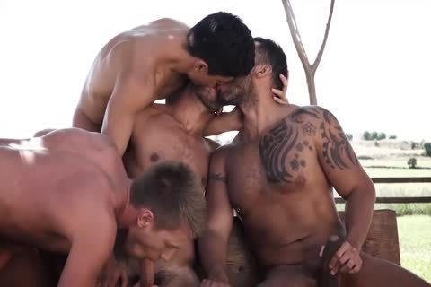 homosexual Gives darksome Thug A Screaming orgasm