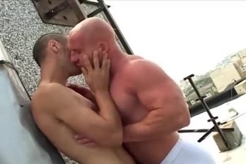 bald oral Muscle guy bonks His Skinny ally