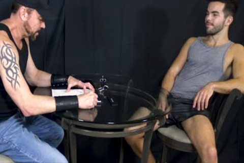 Bottom stud Riley Ross Blindfolded And Face-banged