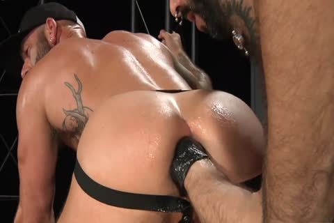Drew receives Fisted Until that dude Cums