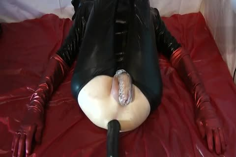 Sissy Doll drilled Red Pumps gigantic dildo