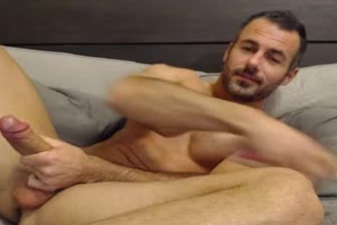 Full Show: pretty Straight Daddy Eats His Creamy Load