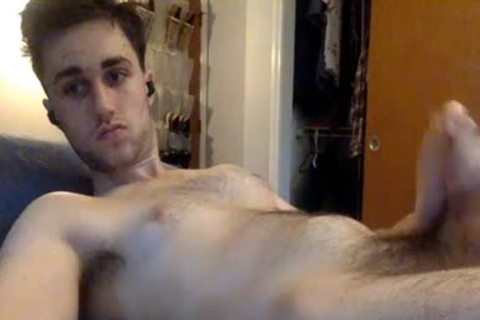 hairy chap jerking off