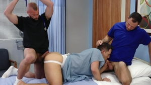 Icon Male - Shaved Donnie Argento doctor sucking cock porn