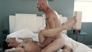 IconMale.com: Raw sex with Lucas Leon & D Arclyte