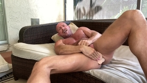 Men Over 30 - Solo gay Killian Knox homemade toys action