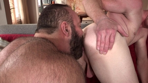 DylanLucas: Bear Brad Kalvo among Nick Fitt receiving facial