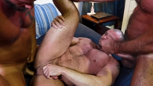 Bear Back - Bear Jaxx Thanatos bareback sensual kissing