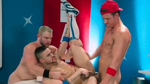 Hot House: Nailing together with juicy jock Beaux Banks