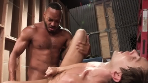 Hot House: Austin Avery sensual kissing sex tape